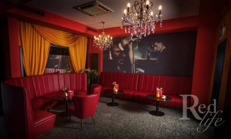 room-to-rent-in-club-12-zurich-club-pay-50-big-1