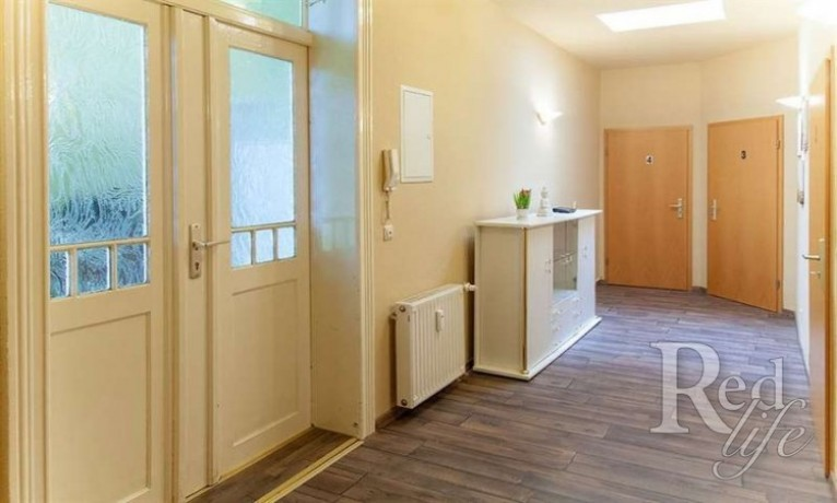 privates-apartment-bietet-zusatzliches-einkommen-in-zwickau-deutschland-big-4