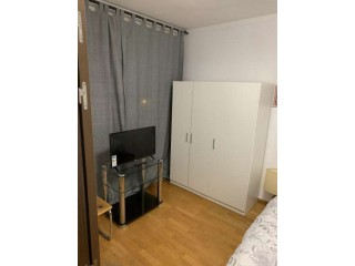 Room to rent on a weekly or monthly basis
