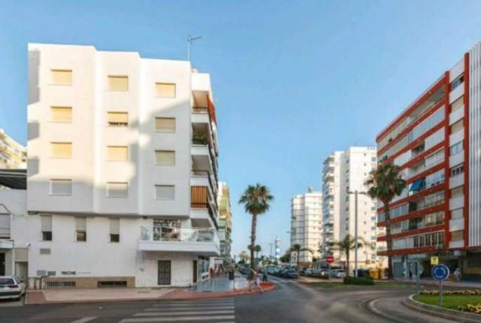 habitaciones-en-torre-del-mar-malaga-big-0