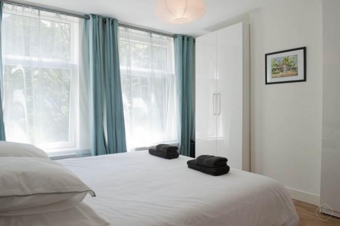 1-bedroom-luxury-appartment-amsterdam-big-4