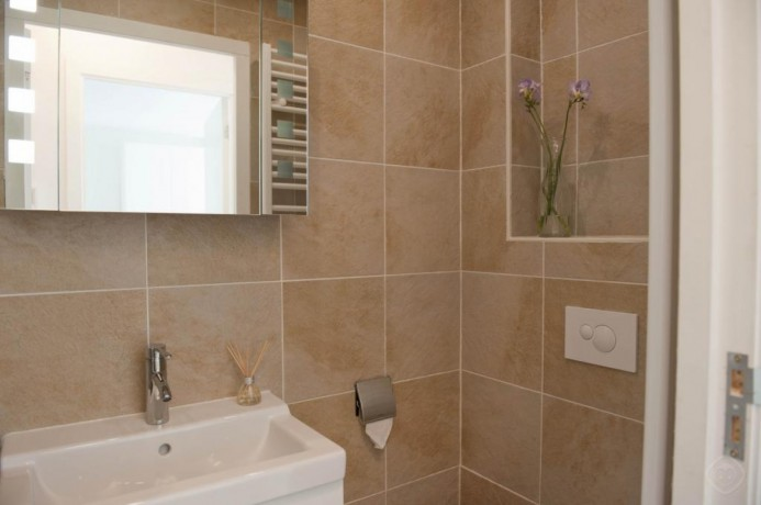 1-bedroom-luxury-appartment-amsterdam-big-2