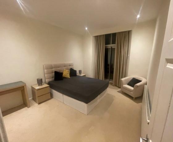 huge-clean-room-big-0